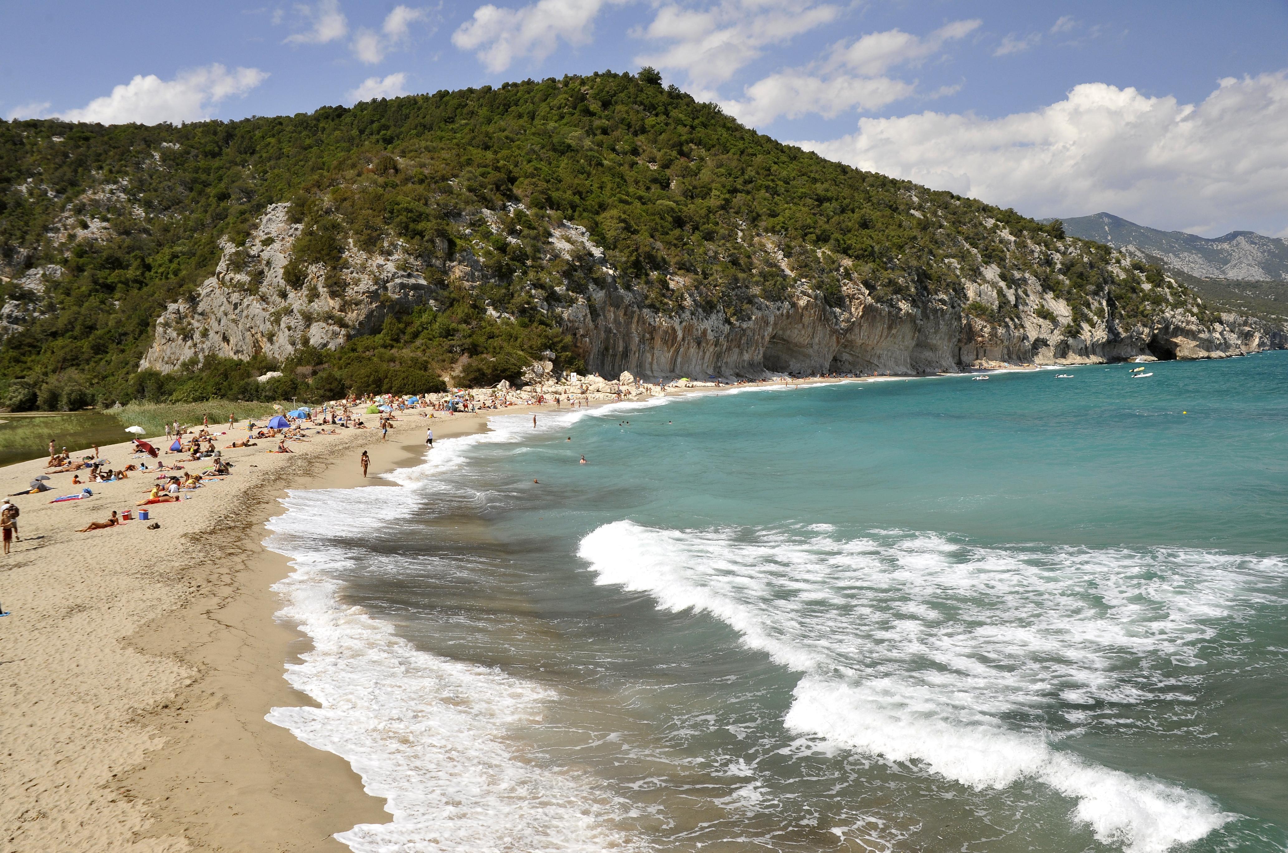 Brves Nautisme  Sardaigne  sport, nature et dtente Cala
