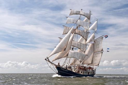 Brves nautisme diaporama des plus grands voiliers du monde prsents brest - Le plus beau voilier du monde ...